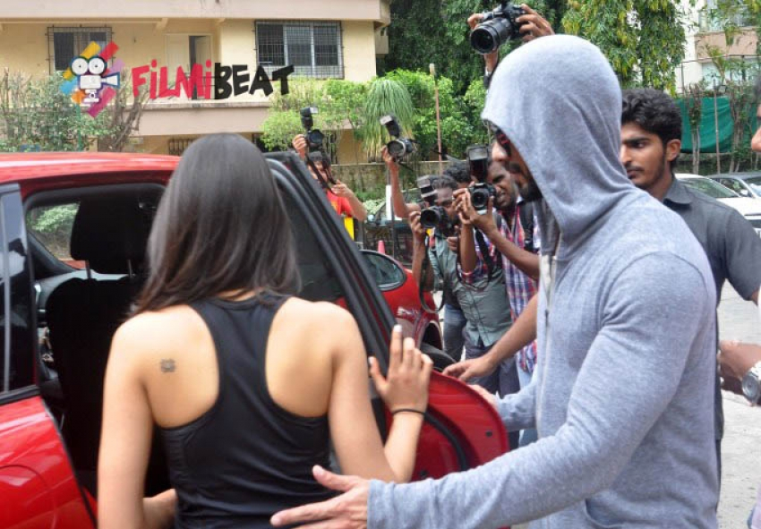 Shahid Kapoor & Mira Snapped Outside GYM Photos