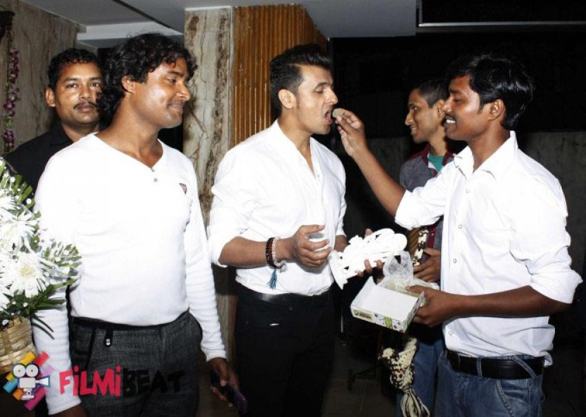Sonu Nigam Exclusive Birthday Celebration Pictures 2015 Photos