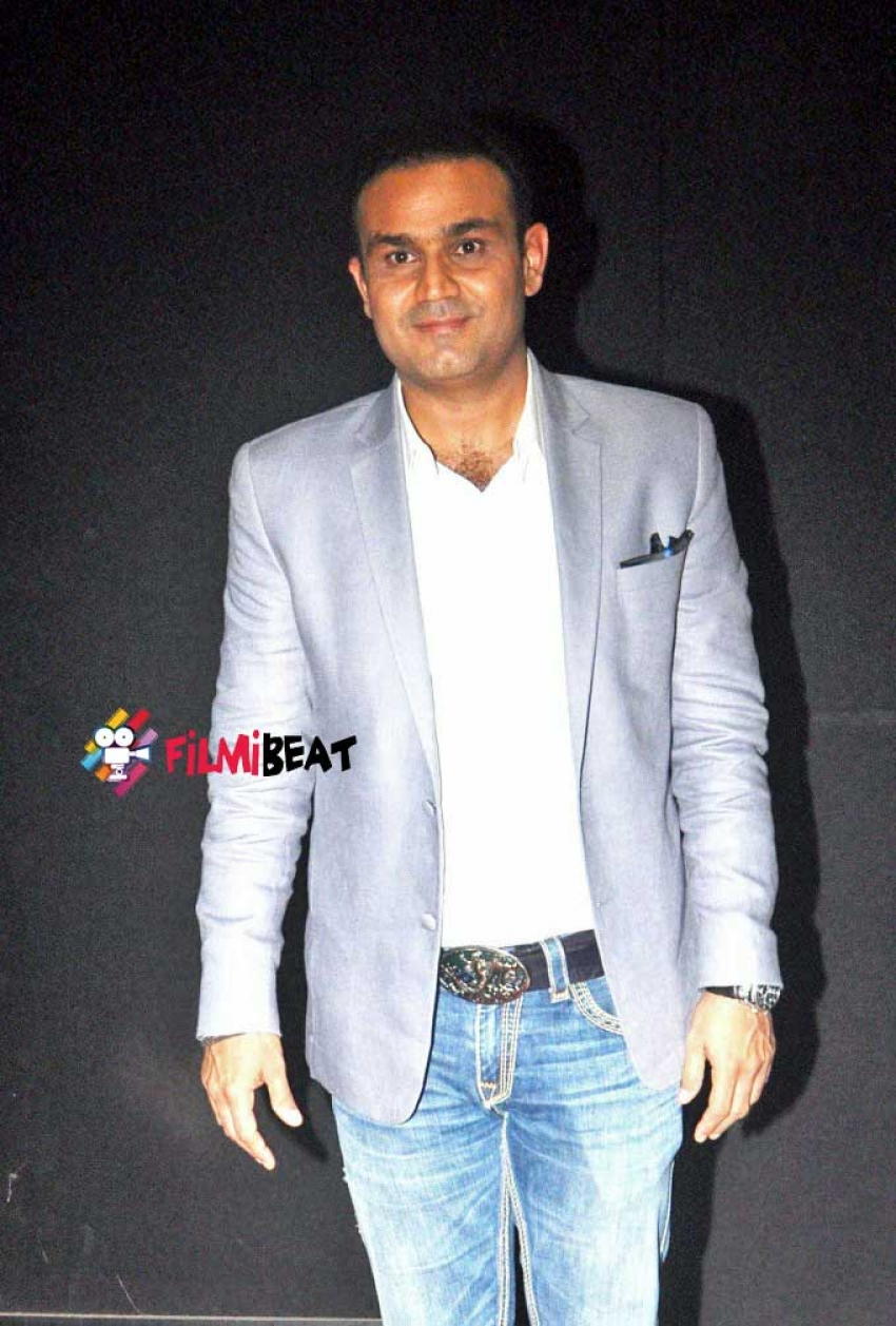 Sonakshi Sinha And Virender Sehwag Snapped On The Sets Of Indian Idol Junior Photos