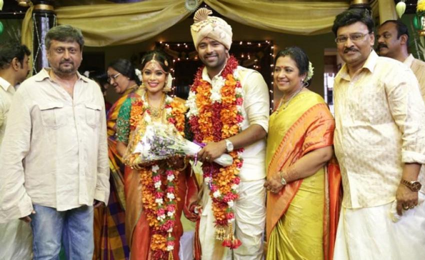 Shanthanu Bhagyaraj And Keerthi Wedding Photos Filmibeat