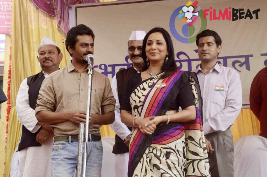 Nawazuddin Siddiqui Promotes Film Manjhi On The Set Of Udaan Photos