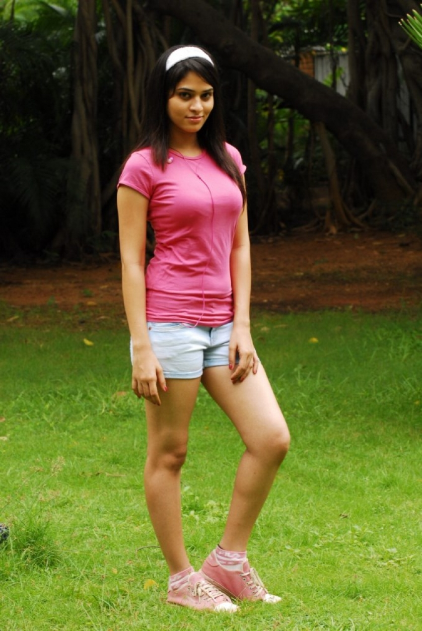 Sanyathara Photos