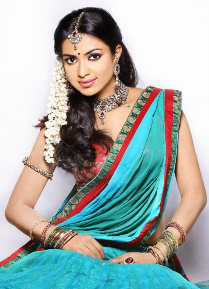 Indian Celebrities Hot In Saree