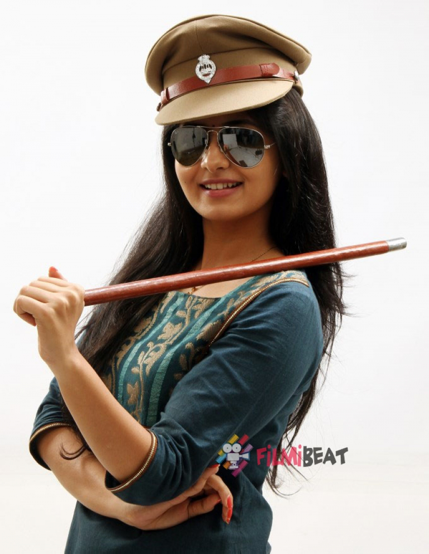 Kirumi Photos Hd Images Pictures Stills First Look Posters Of