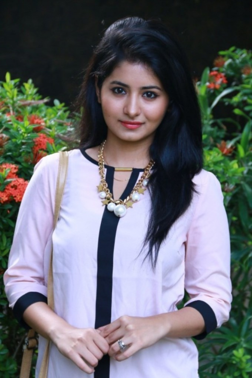 Reshmi Menon Photos Hd Latest Images Pictures Stills Of Reshmi