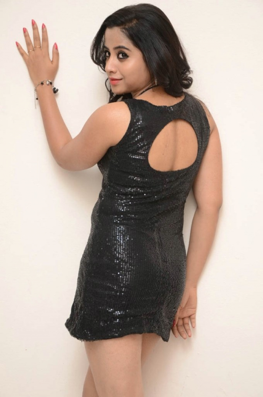 Swathi Deekshith Photos