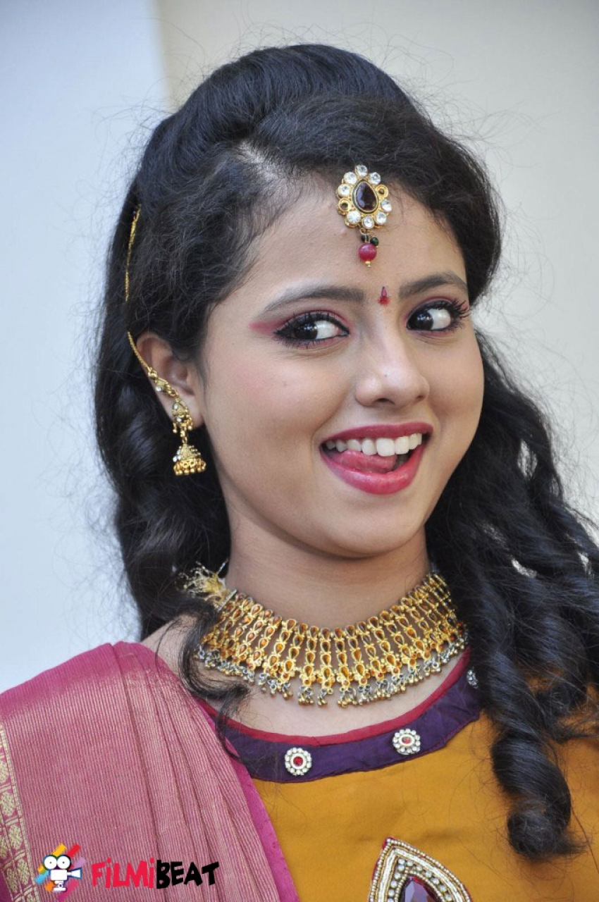 Geethanjali (New Actress) Photos