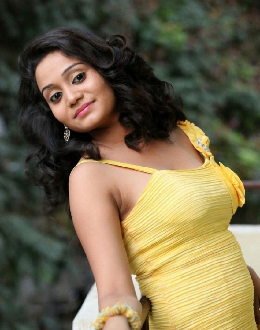 Jhansi (Telugu Actress) Photos