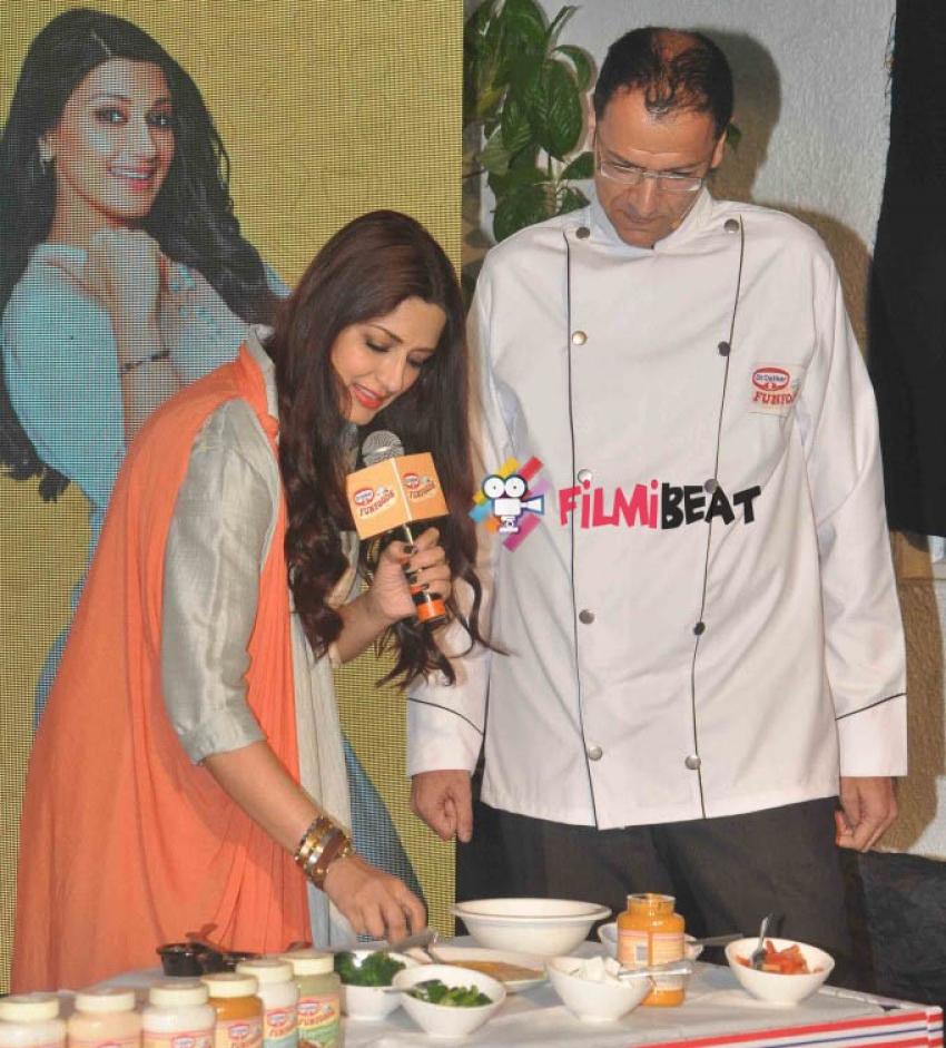 Sonali Bendre Promotes Dr. Oetkar's Funfoods Photos