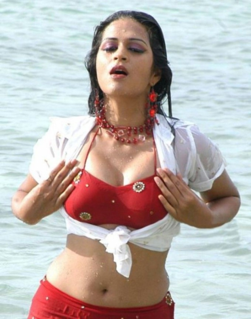 Indian Actress Sizzling Photos