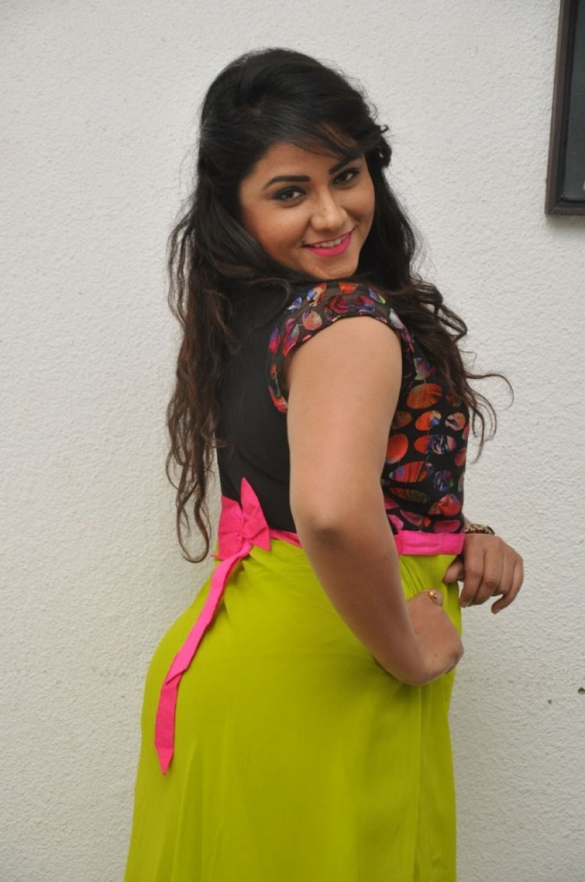 Jyothi Photos