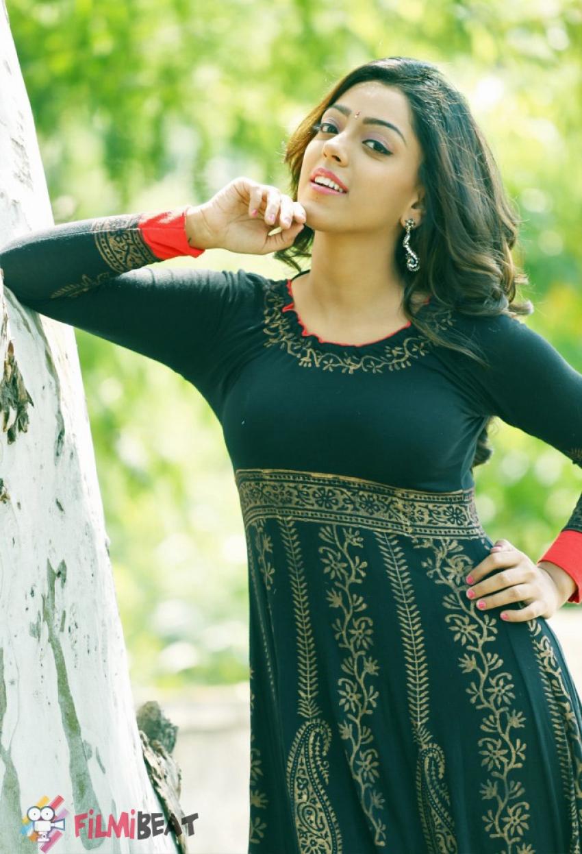 Deviyani Sharma Photos