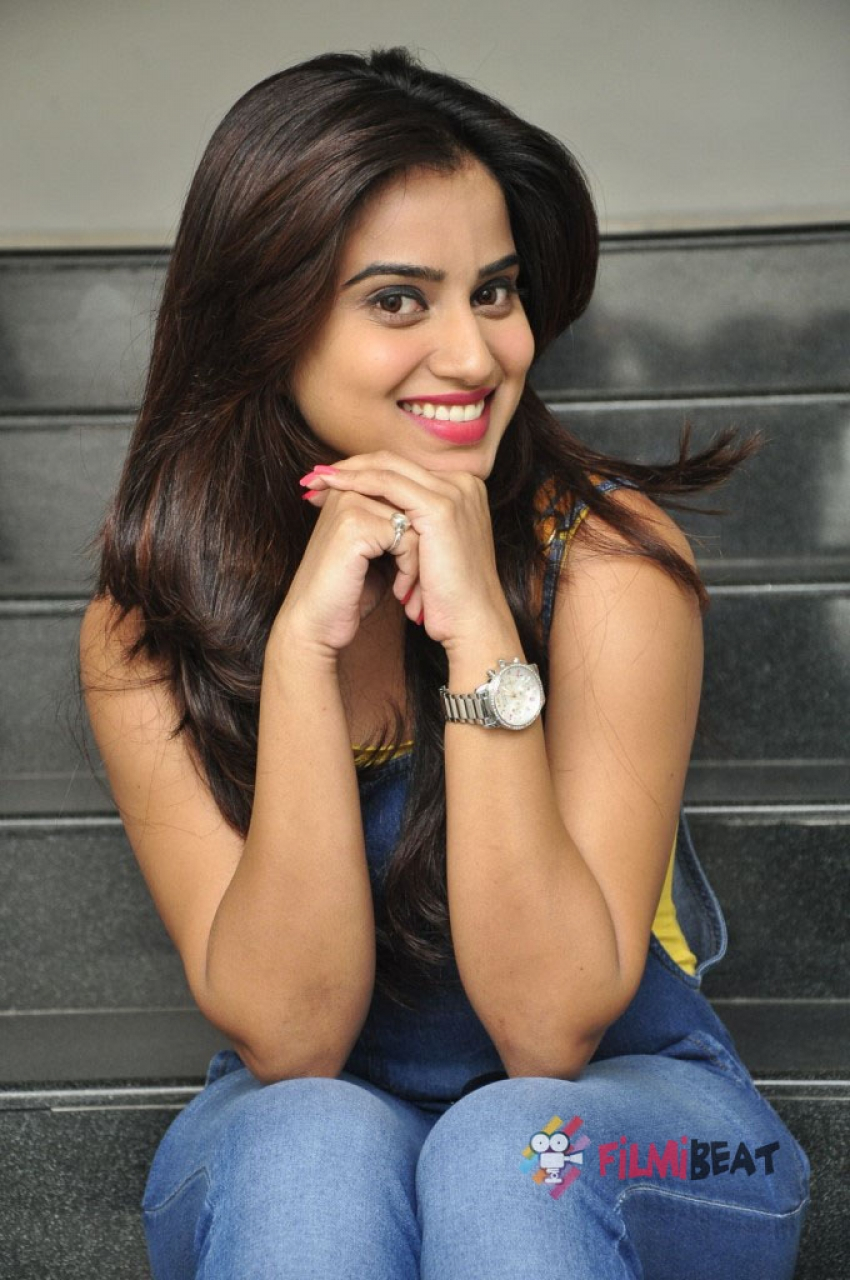 Dimple Chopade Photos