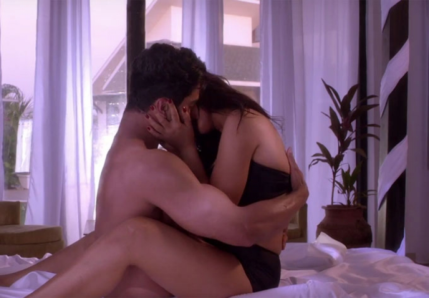 Hot Stills From Ishq Junoon Movie Photos