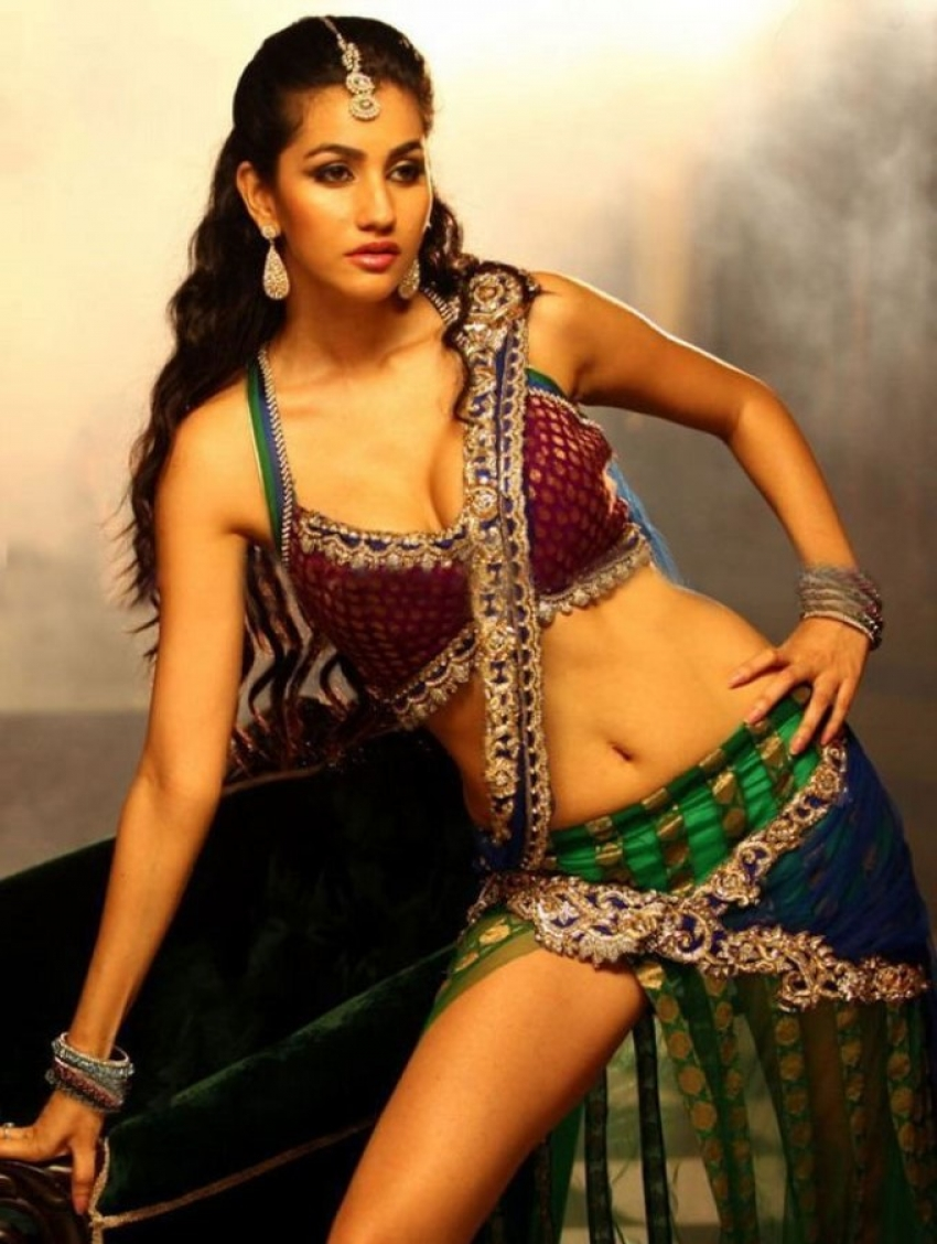 Actress gallery hot pictures
