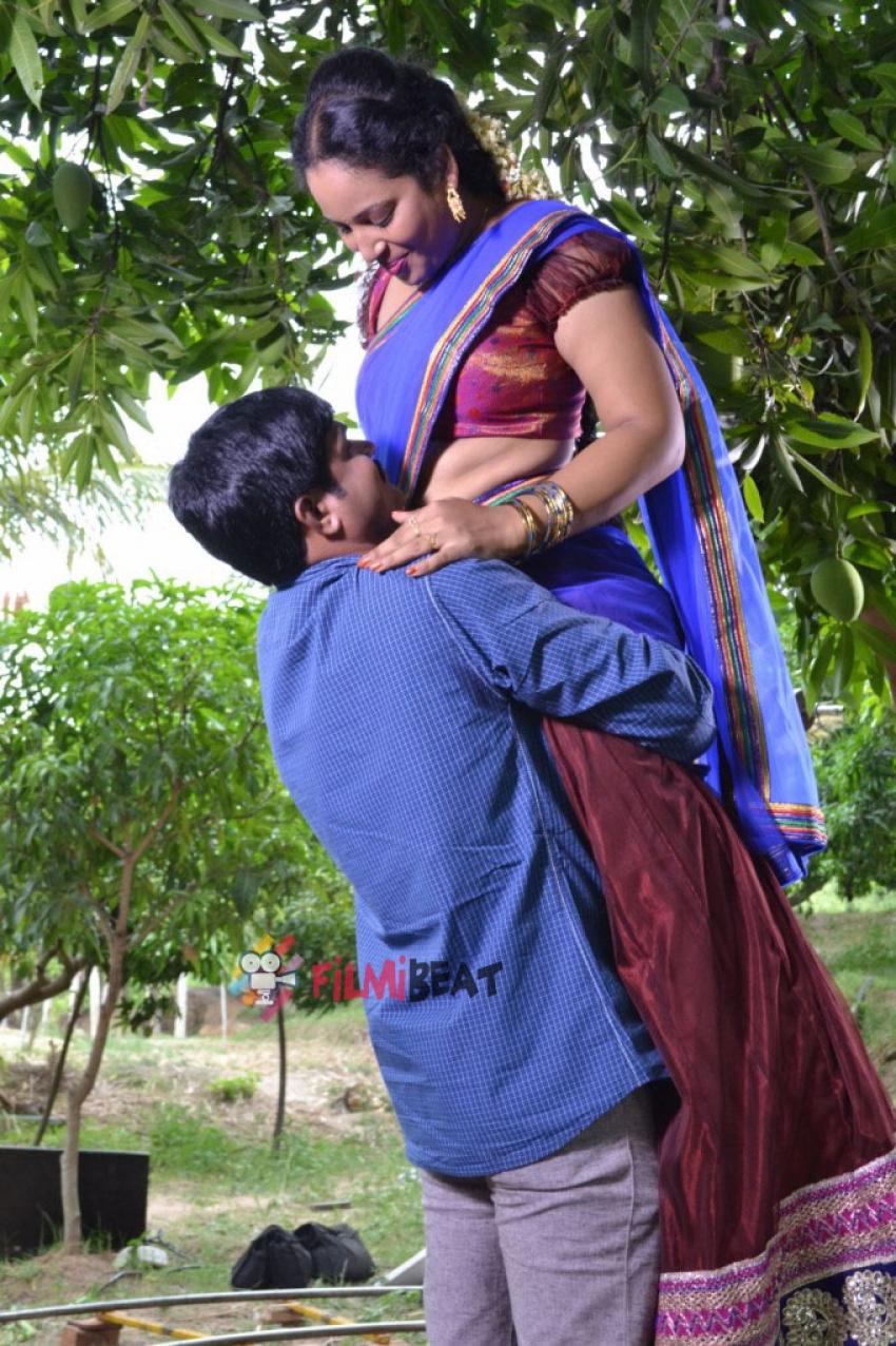 Ammayi Aaruguru Photos