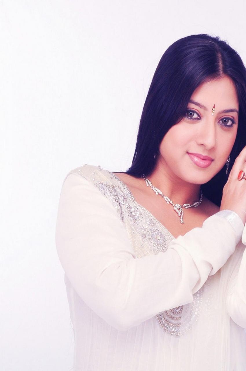 Keerthi Chawla Photos