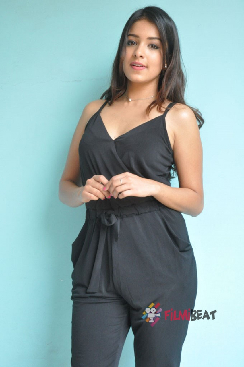 Latha Hegde Photos