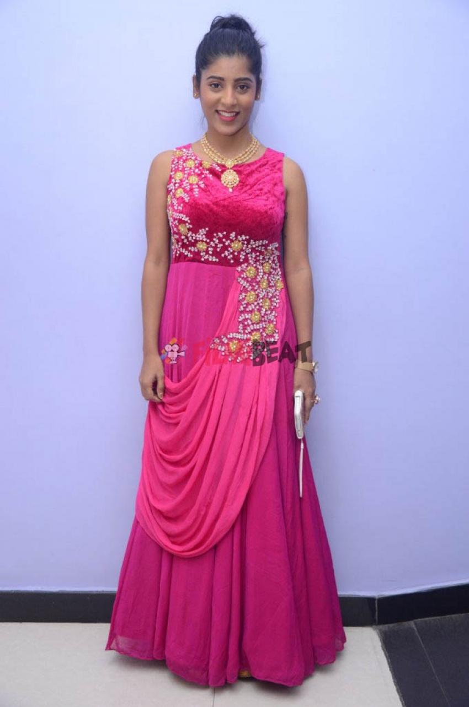Gayathri (New Actress) Photos