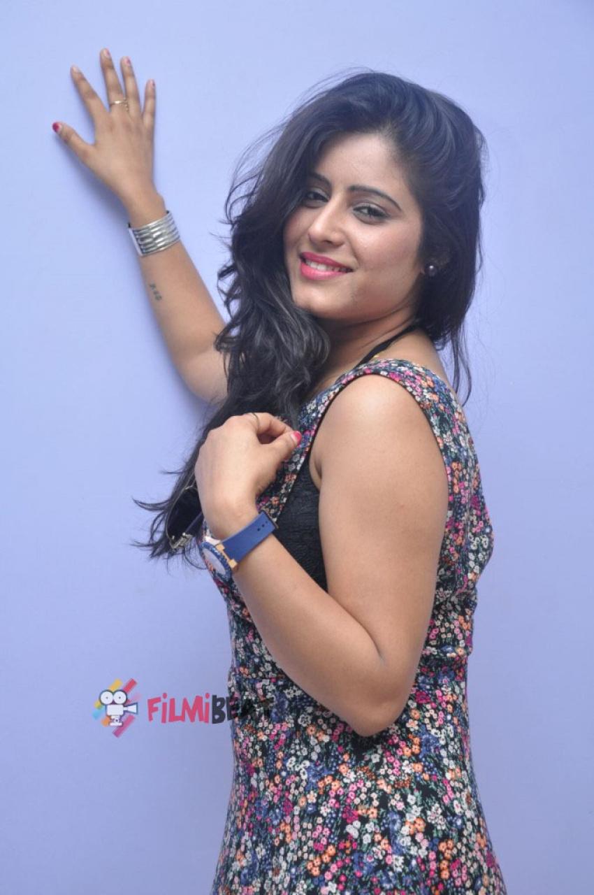 Manisha Thakur Photos