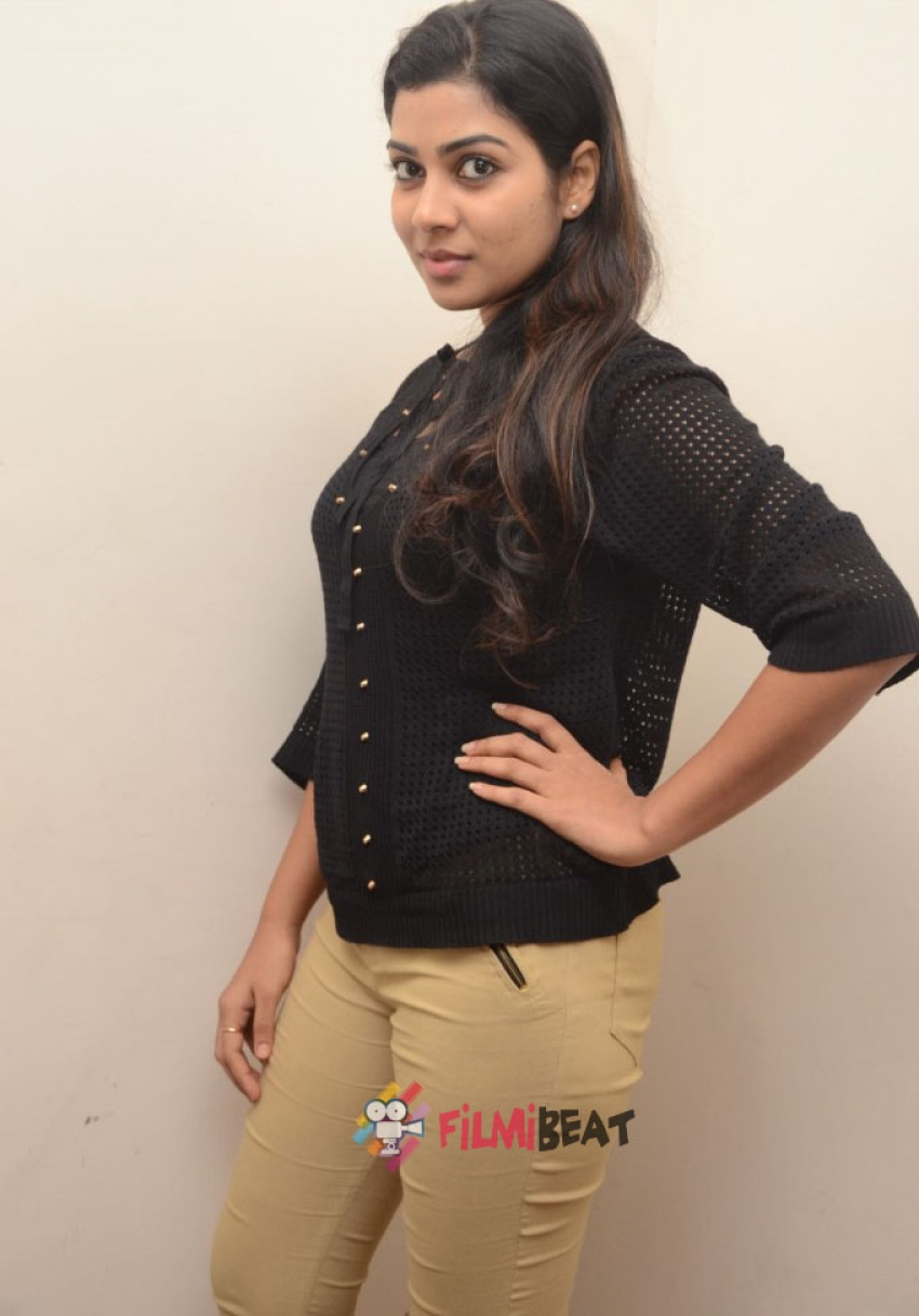 Satna Titus Photos