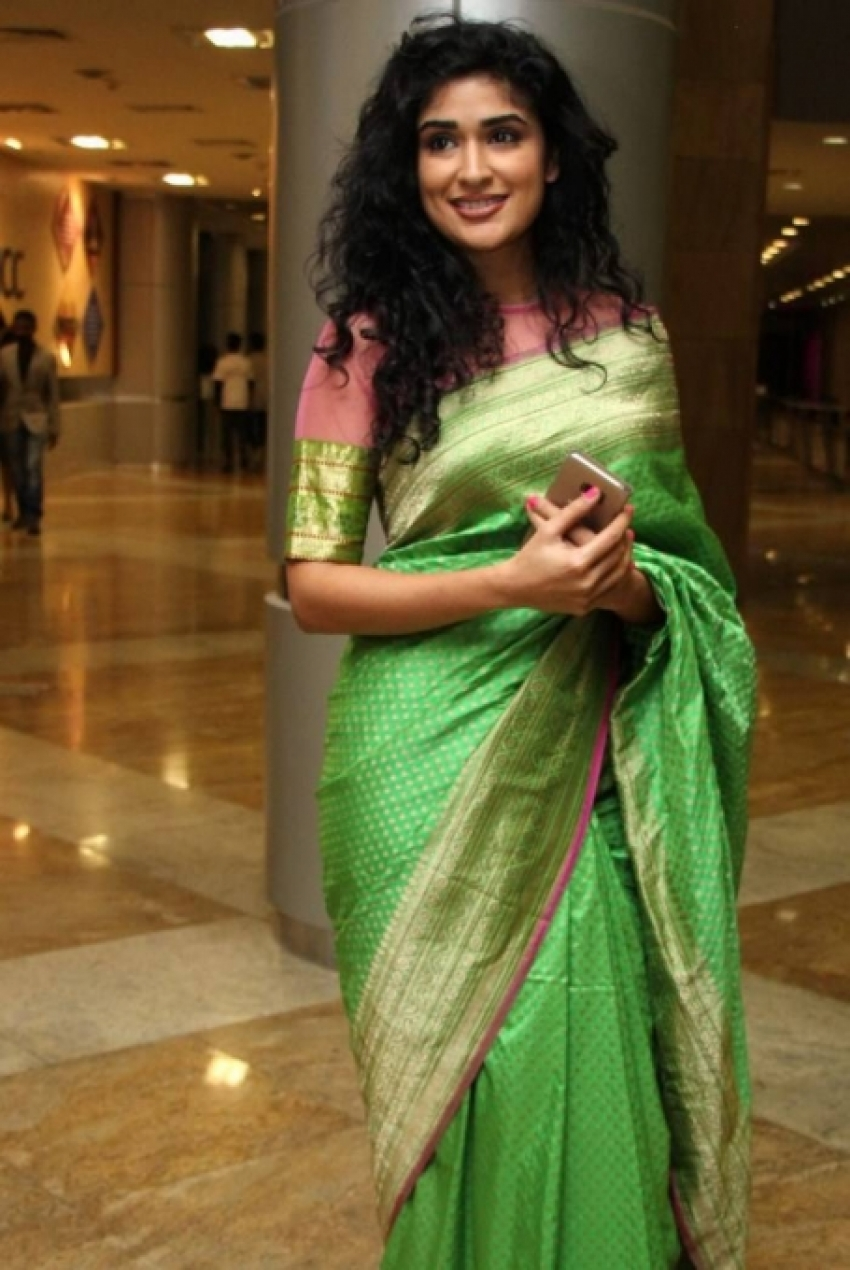 Anjala Zaveri Photos