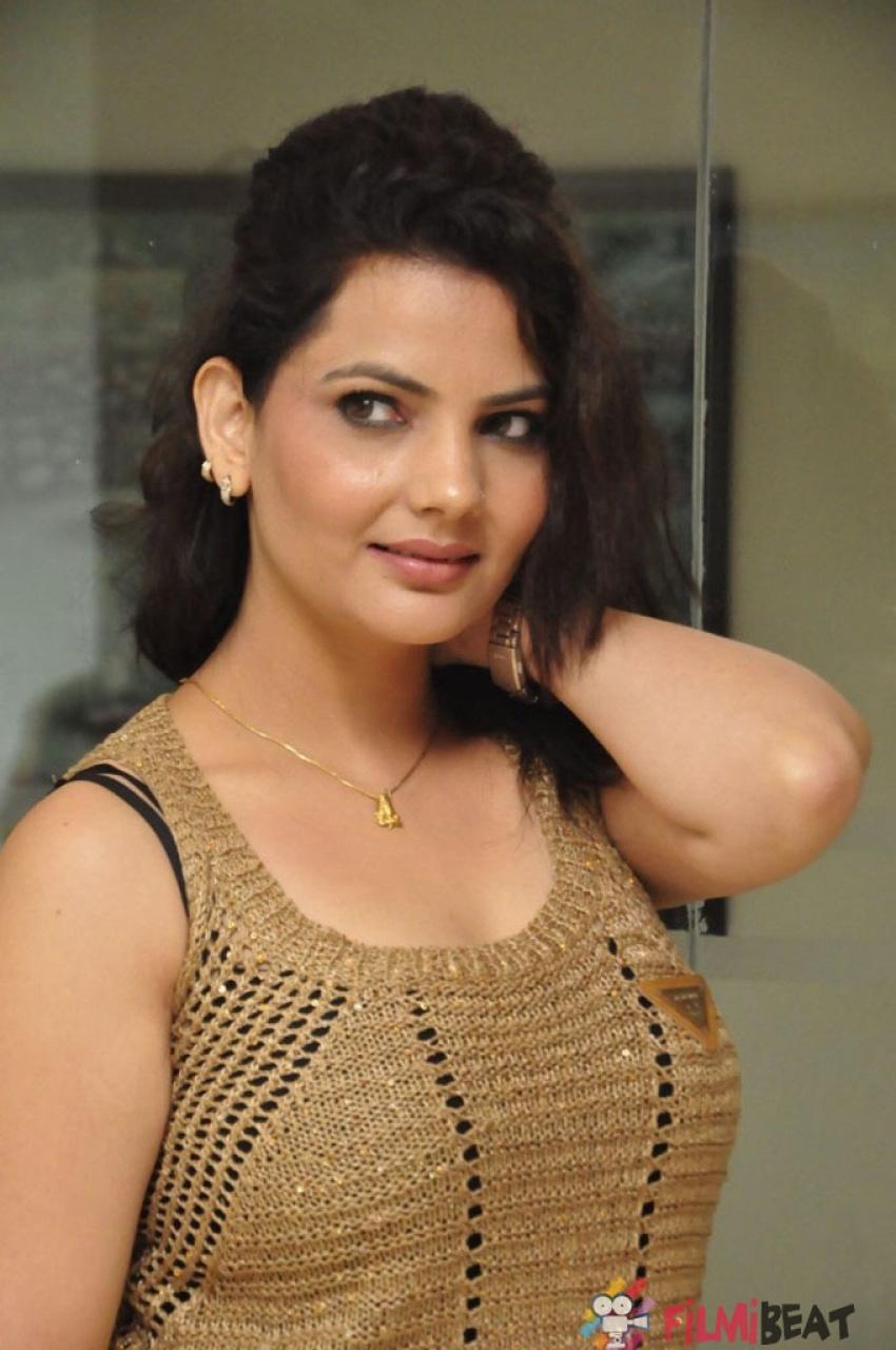 Madhavi Sharma Photos