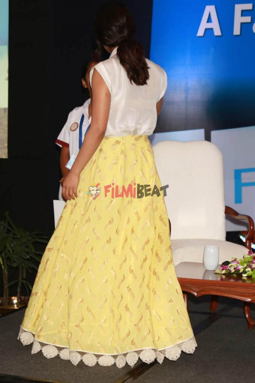 Priyanka Chopra At Fari Star Campaign At New Delhi Photos