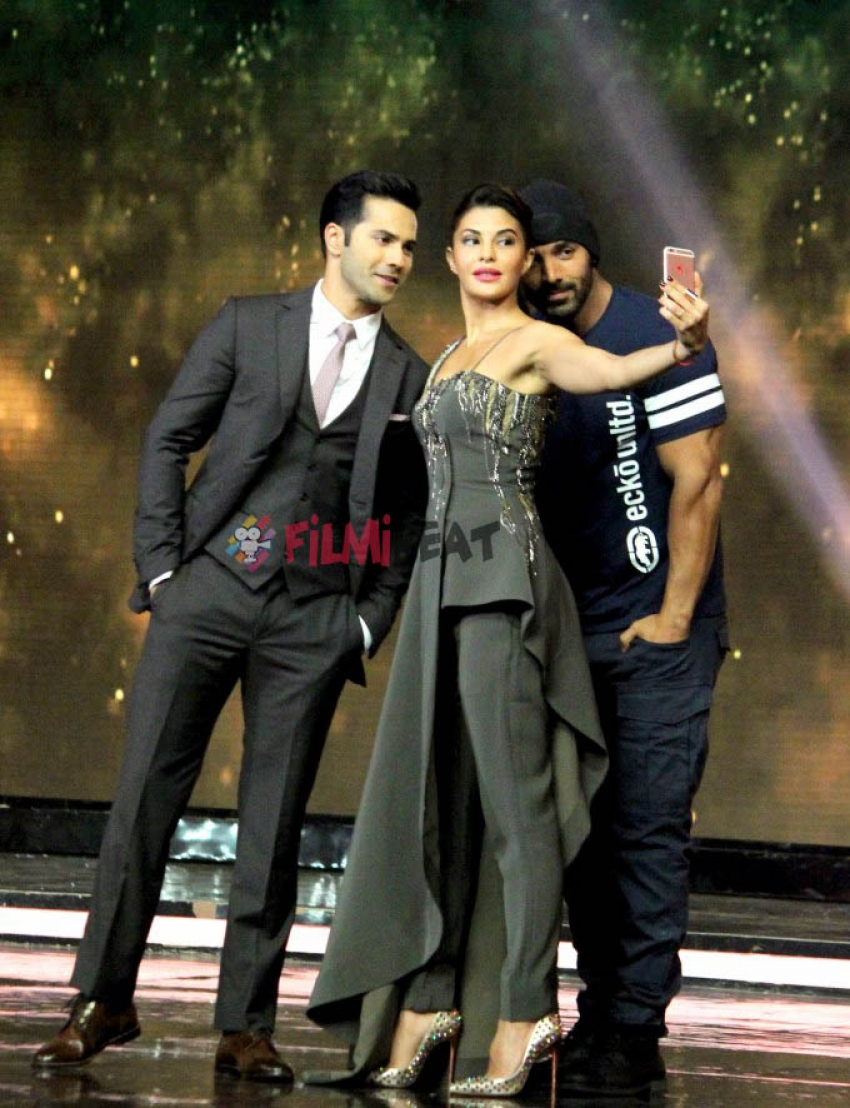Dishoom Cast On The Sets Of Finale Of India's Got Talent 7 Photos