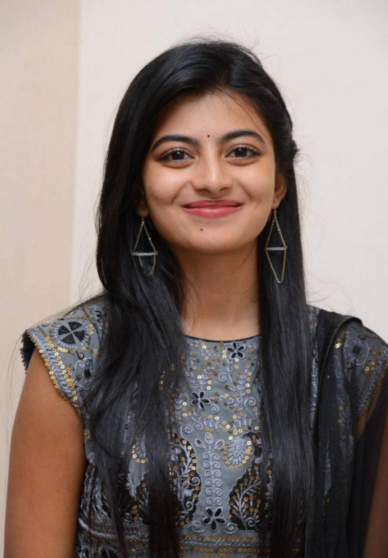 Anandhi Photos