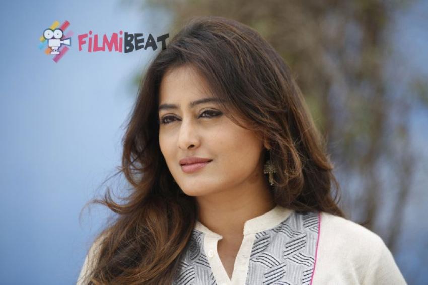 Nidhi Subbaiah Photos