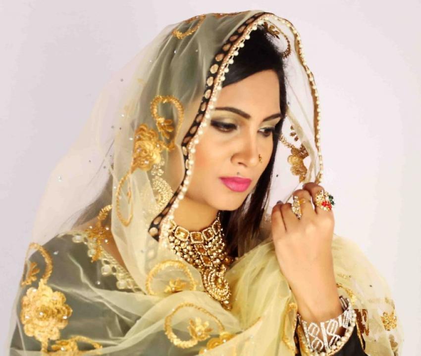 Arshi Khan Photos