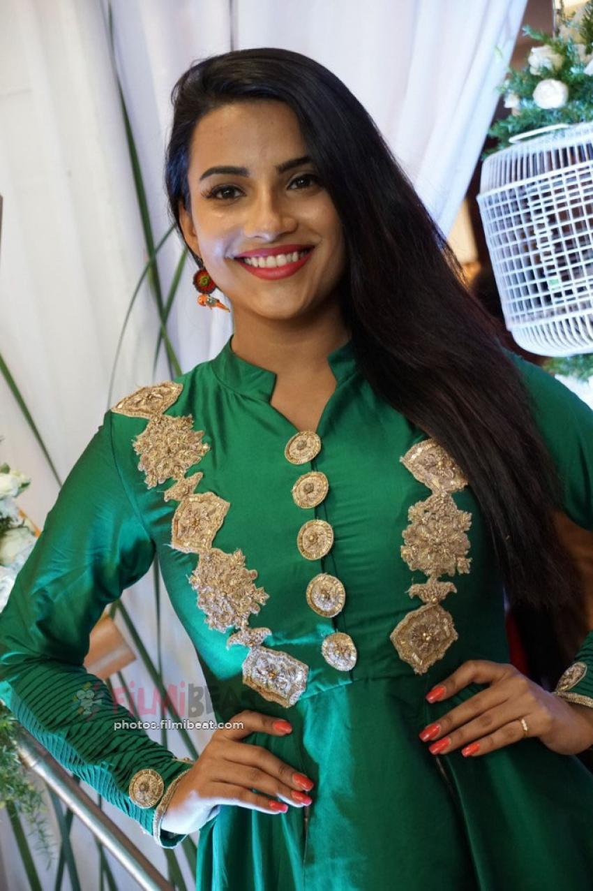 Jyothi Sethi Photos