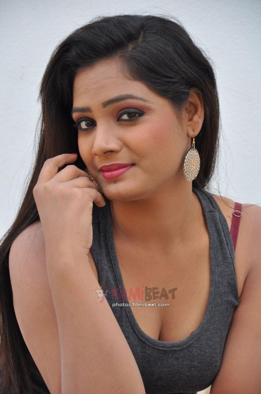 Avanthika(Telugu New Actress) Photos