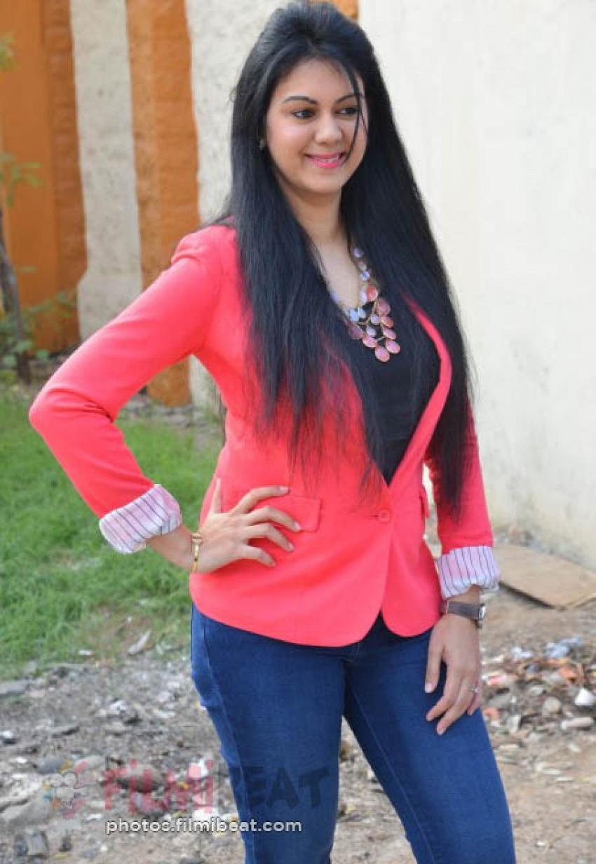 Kamna Jethmalani Photos