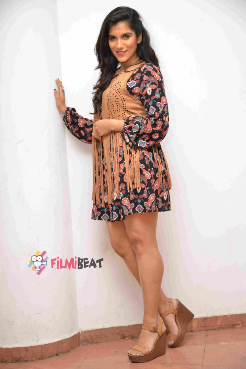 Vainidhi Jagdish Photos