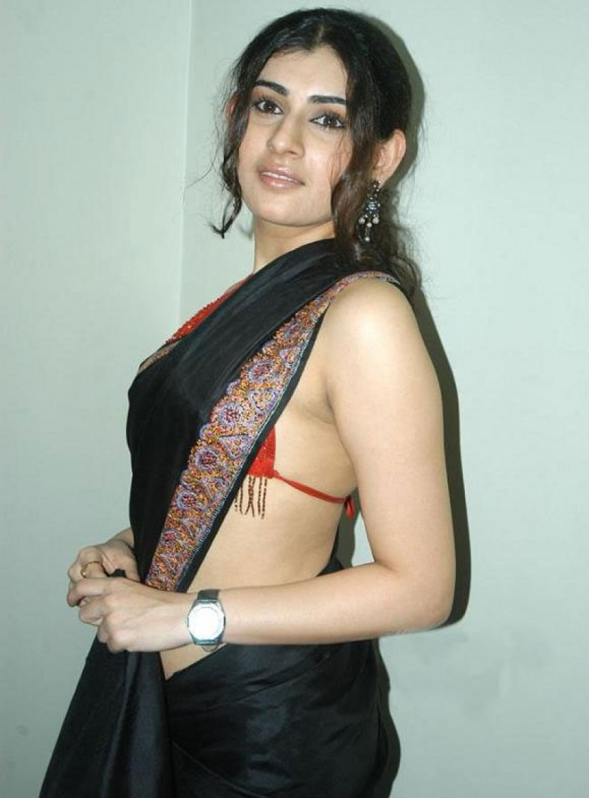 South Indian Actress Hot Cleavage_147877091500 Jpg