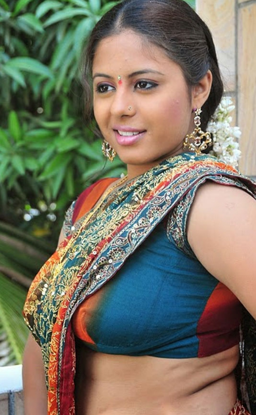 Excellent South indian actress hot blouse