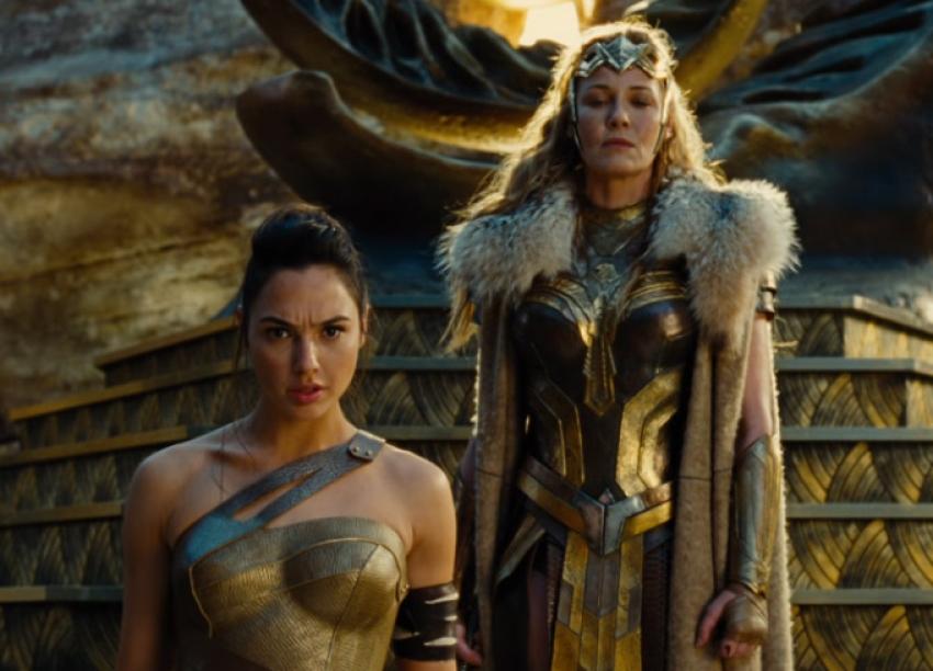 Wonder Woman Photos
