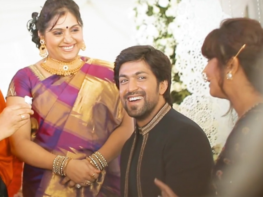 Yash And Radhika Pandit Engagement Photos - FilmiBeat