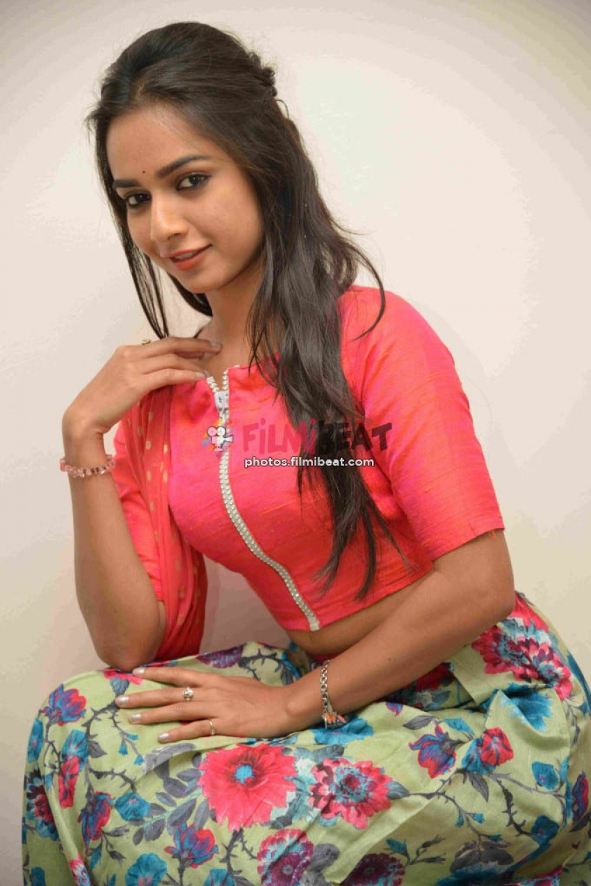 R Anusha Photos
