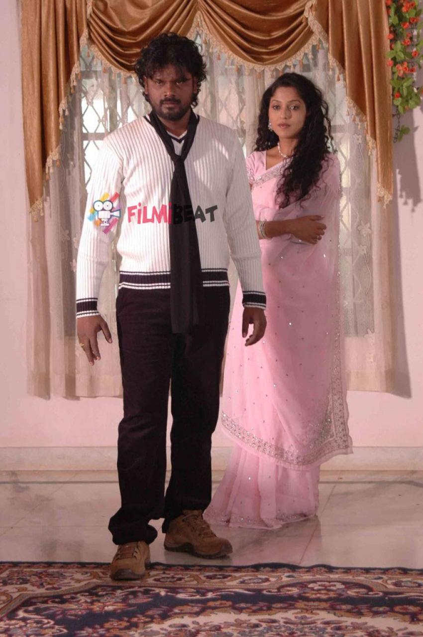 Aadu Aata Aadu Photos