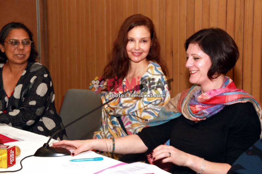 Ashley Judd Speaking At A Pre-Session Of The World Congress Against Exploitation Of Girls And Women
