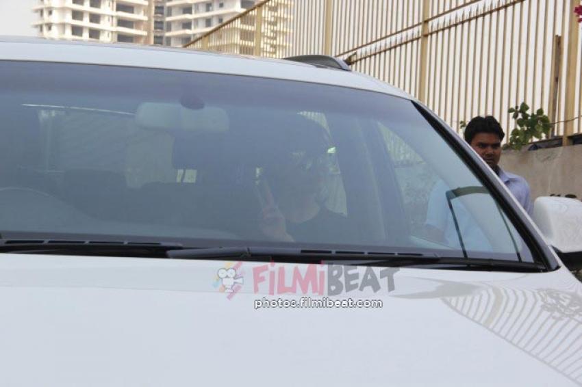 Celebs Snapped At Mumbai