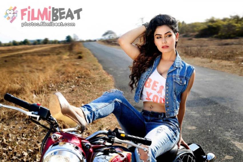 Kangna Sharma Photos