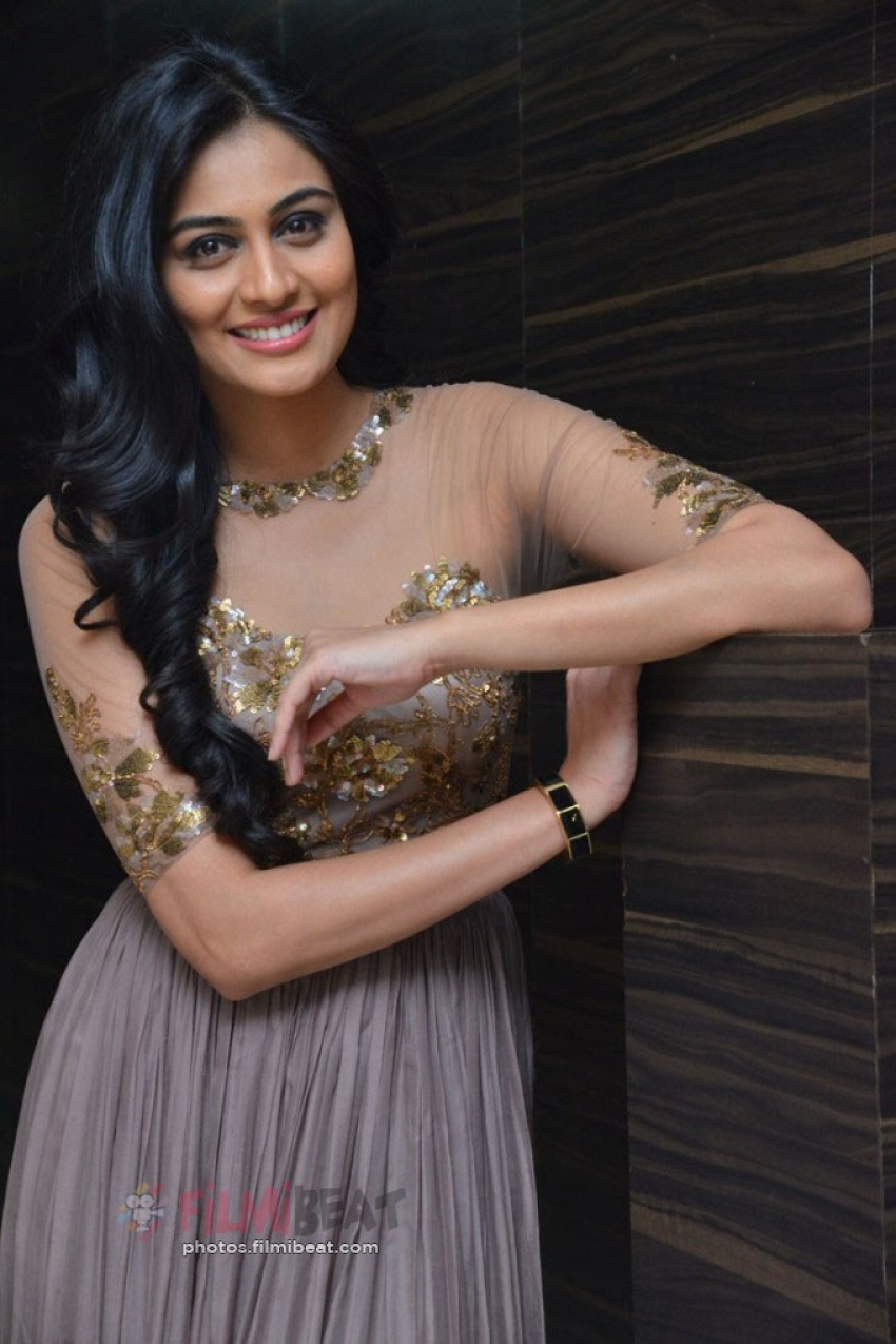 Neha Hinge Photos