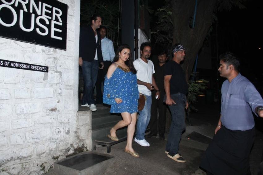Preity Zinta And Fardeen Khan Spotted At Bandra