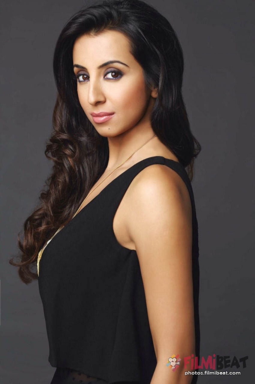 Sanjjanaa Galrani Latest Photoshoot 2016