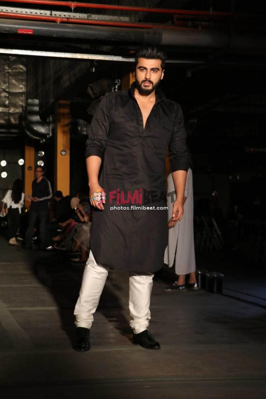Arjun Kapoor , Varun Dhawan, Sonakshi Sinha Walk Ramp For Kunal Rawal