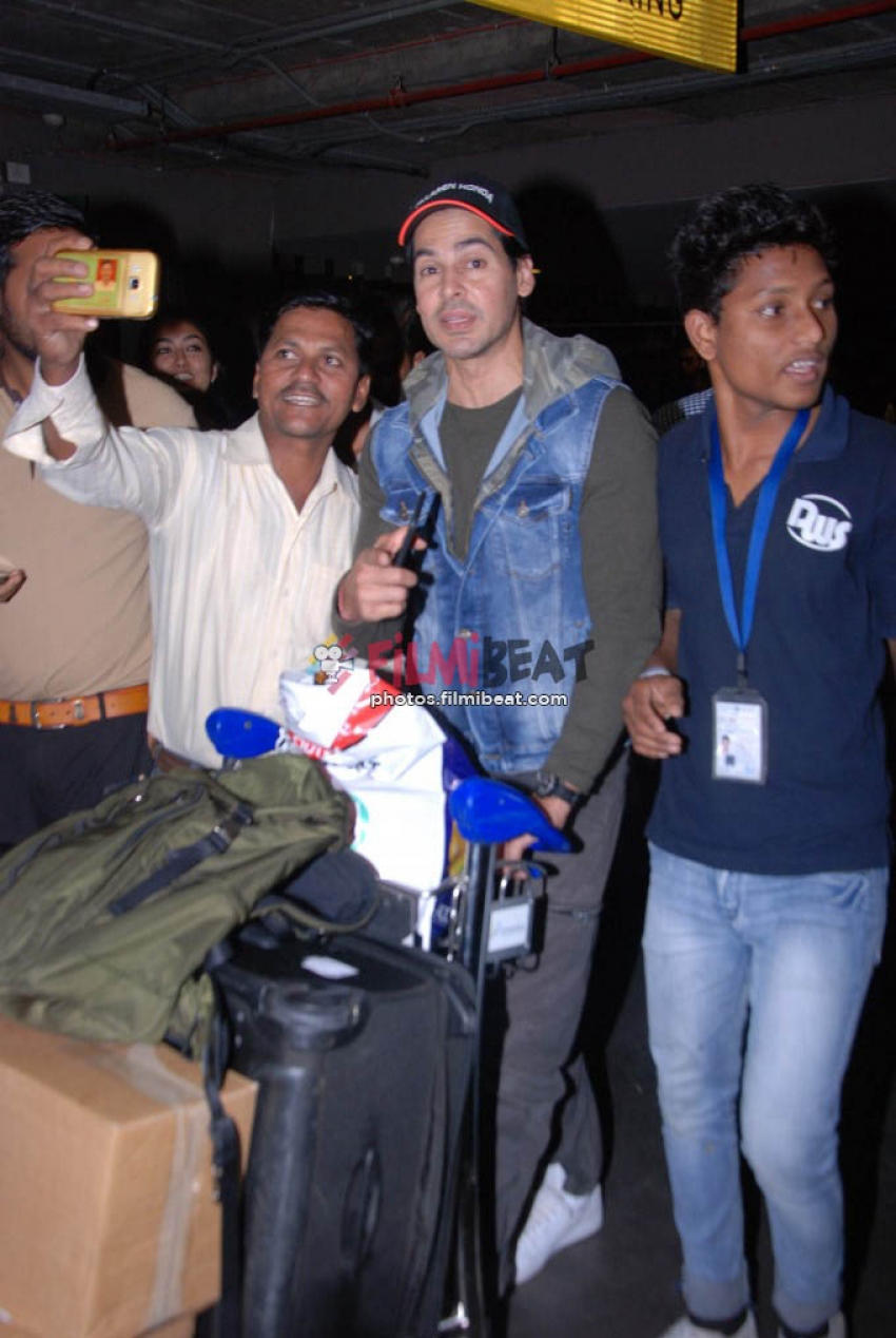 Celebs Snapped At Airport